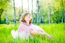 Free Attractive Girl With Dandelion Royalty Free Stock Photos - 9609648