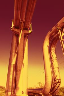 Free Industrial Pipelines Against Blue Sky. Royalty Free Stock Photos - 9609958