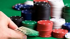 Free Poker Game With Chips On Table Stock Photos - 96054933