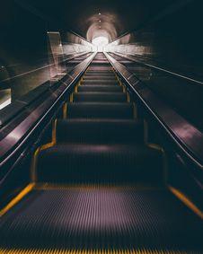 Free Subway Escalator Stock Photography - 96055002