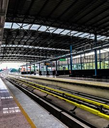 Free Train Station Platform Stock Image - 96055121