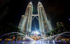 Free Petronas Towers In Kuala Lumpur Royalty Free Stock Photo - 96055315