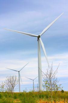 Free Modern Windmills Against Blue Sky Stock Photos - 9615843