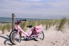 Free Childrens Bike In The Dunes Royalty Free Stock Image - 9619826