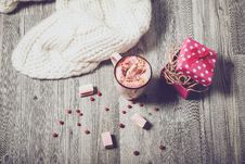 Free Coffee Marshmallows And Present Royalty Free Stock Photos - 96114098