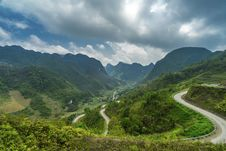Free Road Near Mountain Under Cloudy Weather Stock Image - 96114131