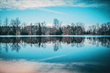 Free Landscape Reflection Royalty Free Stock Photography - 96114317