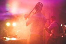 Free Band Playing On Stage Royalty Free Stock Images - 96114399
