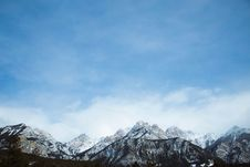 Free Snow Capped Mountain Range Royalty Free Stock Image - 96114496