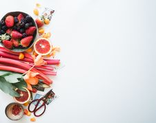 Free Fruits And Vegetables On White Royalty Free Stock Images - 96114699