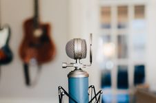 Free Classic Condenser Microphone Royalty Free Stock Photos - 96114868