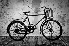 Free Old Bicycle Royalty Free Stock Images - 96117859