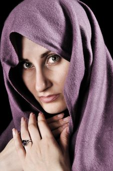 Free Woman With A Shawl Royalty Free Stock Photography - 9621217