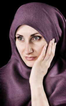 Free Woman With A Shawl Royalty Free Stock Image - 9621246