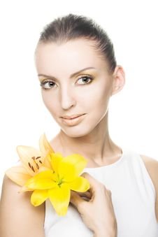 Free Young Woman With Yellow Flowers Stock Image - 9621901