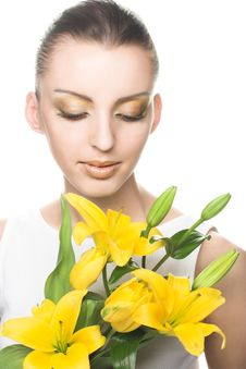 Free Young Woman With Yellow Flowers Stock Images - 9621904