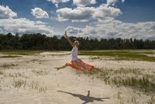 Free Dancing In Nature Royalty Free Stock Photos - 9624238