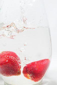 Free Strawberry Splash Stock Image - 9627441