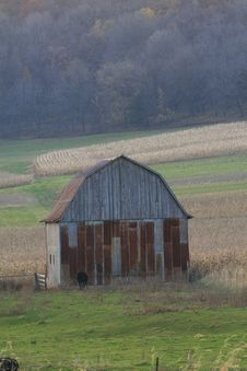 Free Red Rustic Barn Stock Photography - 9628432
