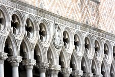 Free Columns And Arches Royalty Free Stock Image - 9629296