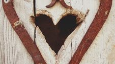 Free Beige Wooden Heart Hole Royalty Free Stock Images - 96215289