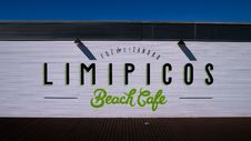 Free Brown Limipicos Beach Cafe Wooden Wall Decor Royalty Free Stock Photo - 96215365
