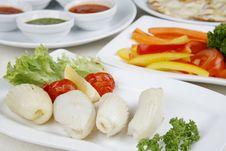 Free Calamary Squid To Prepare A Tomato Pepper Stock Photo - 9637170