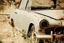 Free Abandoned Vintage Car Royalty Free Stock Photo - 9639595
