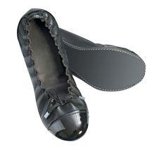 Free Black Shoes Royalty Free Stock Photos - 9639998