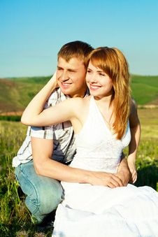 Free Young Couple Outdoor Royalty Free Stock Photography - 9642317
