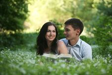 Free Couple In The Park. Royalty Free Stock Photography - 9642707