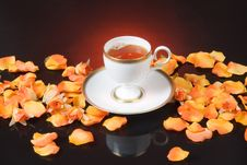 Free Tea And Roses Royalty Free Stock Photos - 9648298
