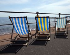 Free Deck Chairs Along Sidmouth Sea Front Stock Images - 9649874