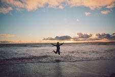 Free Person Taking Picture In Seashore During Sunset Royalty Free Stock Photo - 96494615