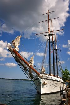 Free Moored Schooner Royalty Free Stock Photography - 9654617