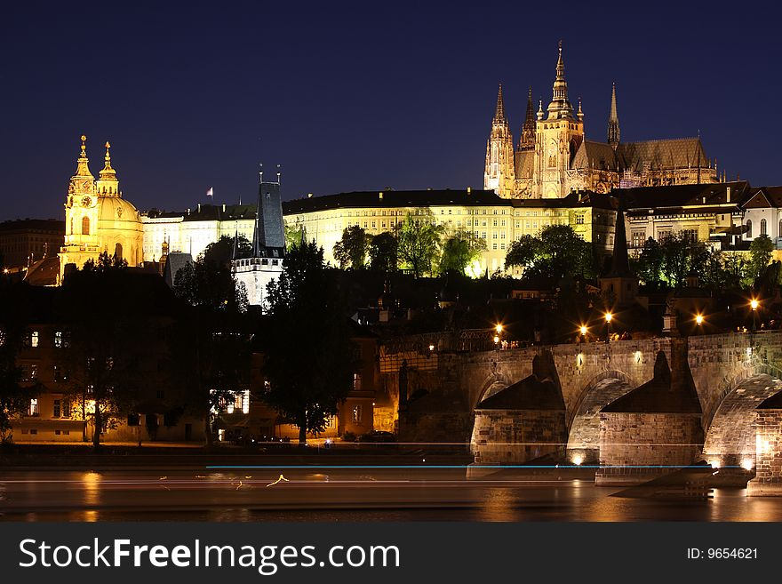 Prague Castle & Charles Bridge in Prague
