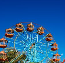 Free The Ferris Wheel In Blue Sky Royalty Free Stock Photography - 96542617