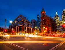 Free View Of City Street At Night Royalty Free Stock Images - 96580909