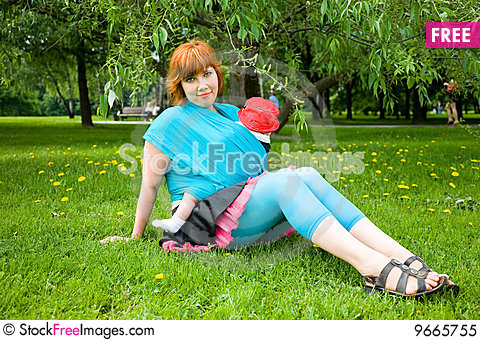 Free Pretty Mother With Little Son Royalty Free Stock Photo - 9665755