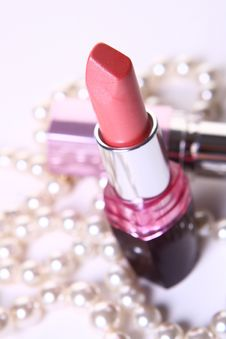 Free A Red Lipstick With Perl On White Royalty Free Stock Photos - 9662768