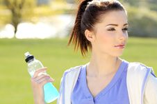 Free Young Woman Drinking Water Royalty Free Stock Images - 9666739
