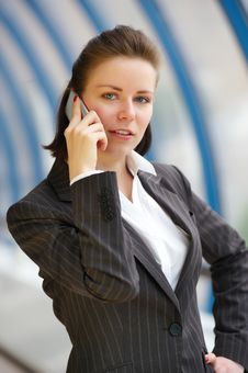 Free Modern Professional Businesswoman With Phone Royalty Free Stock Photography - 9667447