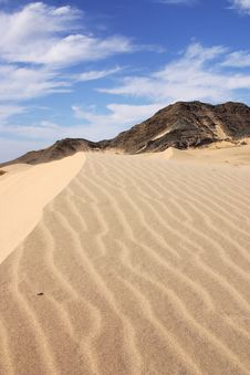 Free Dunes Royalty Free Stock Photo - 9667625