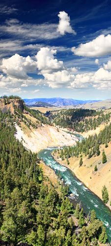 Free The Yellowstone River In Yellowstone NP Stock Image - 9674041