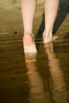 Free Barefoot Legs In River Royalty Free Stock Image - 9675256