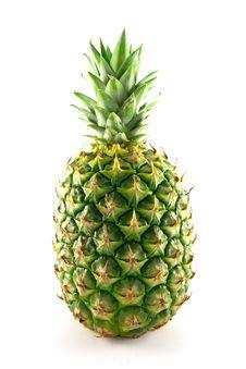 Free Whole Pineapple Royalty Free Stock Photos - 9676318