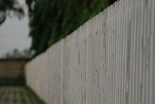 Free Edge Of White Fence Stock Photo - 96793570