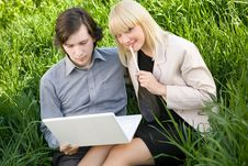 Free A Couple Working On Laptop In Nature Royalty Free Stock Photo - 9680085