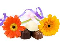 Free Luxury Chocolates With Flowers And Ribbons Royalty Free Stock Images - 9680469