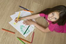 Free Girl Drawing A Picture Royalty Free Stock Photo - 9685295